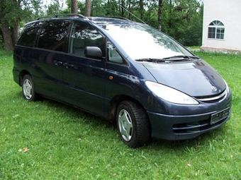 Toyota Previa 2000 Photo - 1