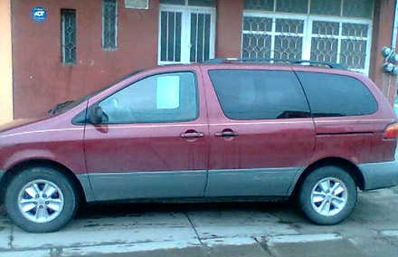 Toyota Sienna 1998 Photo - 1