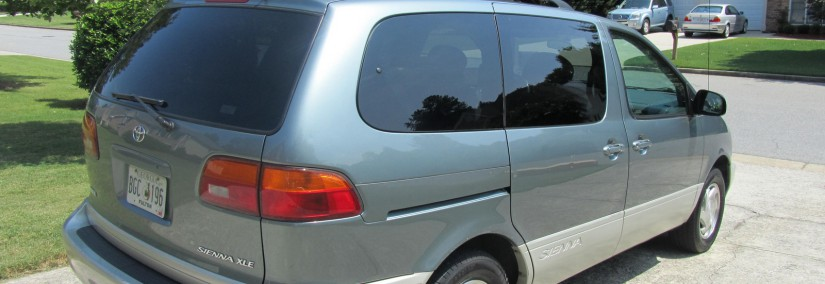 Toyota Sienna 1999 Photo - 1