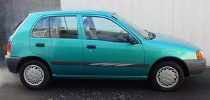 Toyota Starlet 1998 Photo - 1