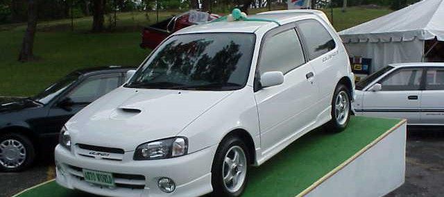 Toyota Starlet 2001 Photo - 1