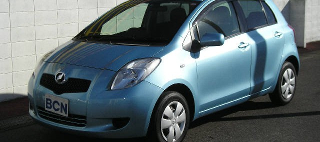Toyota Vitz 2011 Photo - 1