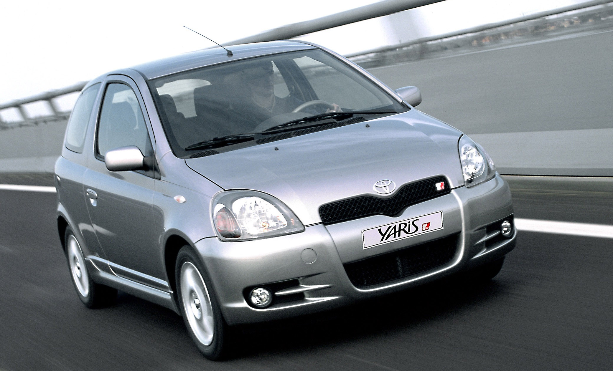 Toyota Yaris 2001 Photo - 1