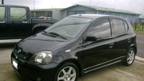 Toyota Yaris 2002 Photo - 1