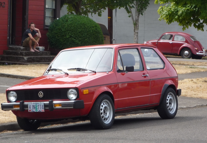 Volkswagen Golf 1975 Photo - 1