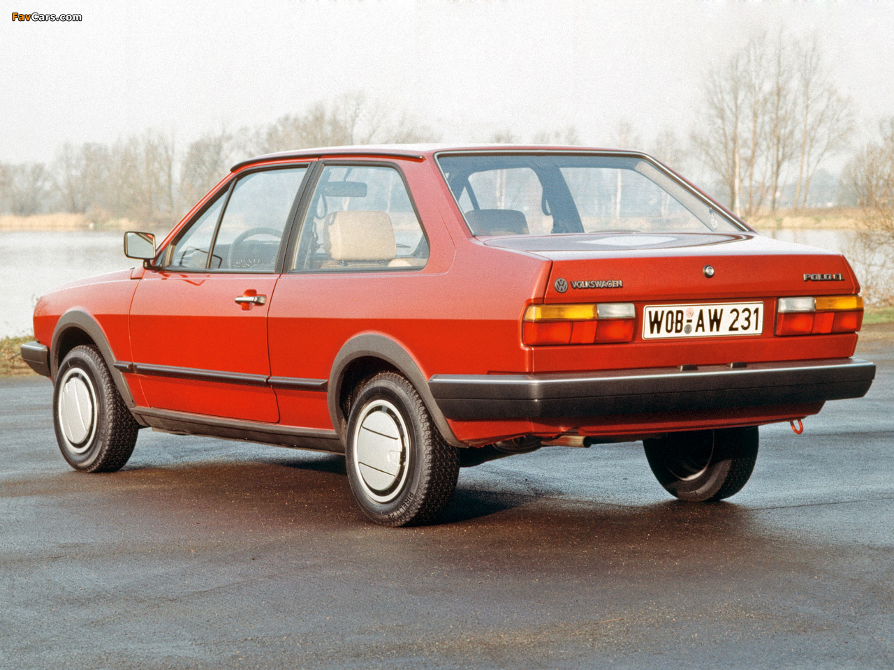 Volkswagen Polo 1985 Photo - 1