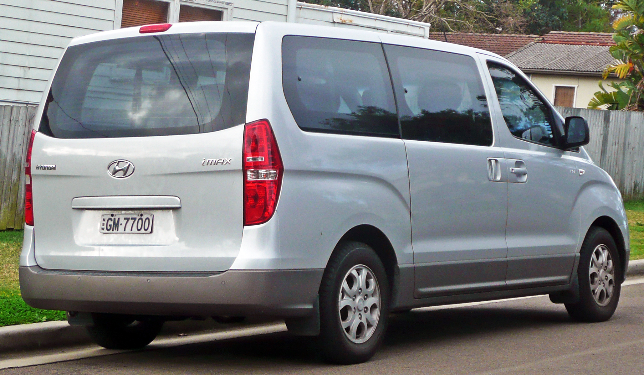 Hyundai H1 2009 Review Amazing Pictures And Images
