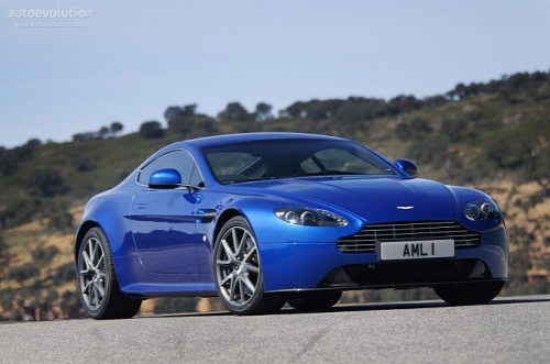 Aston Martin DB9 2014 photo - 2