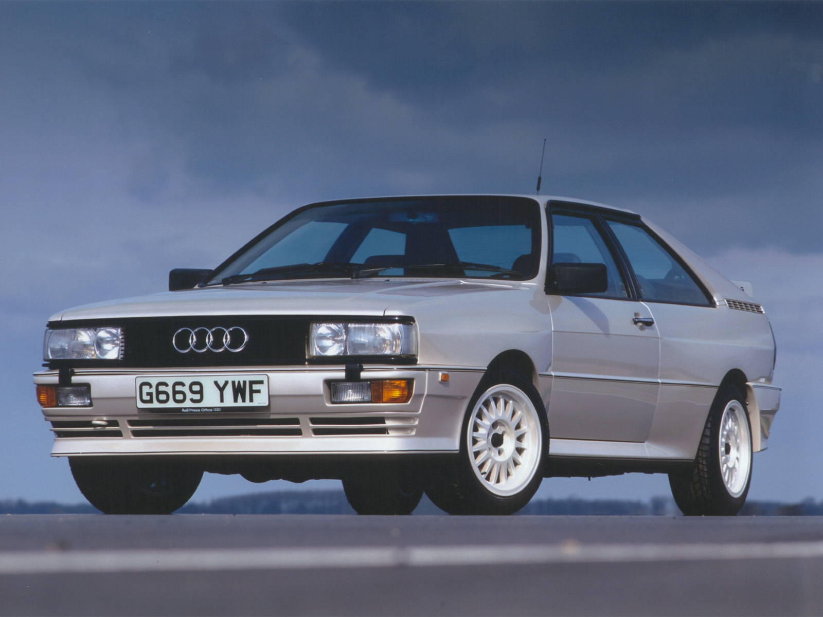 audi quattro  review amazing pictures  images    car