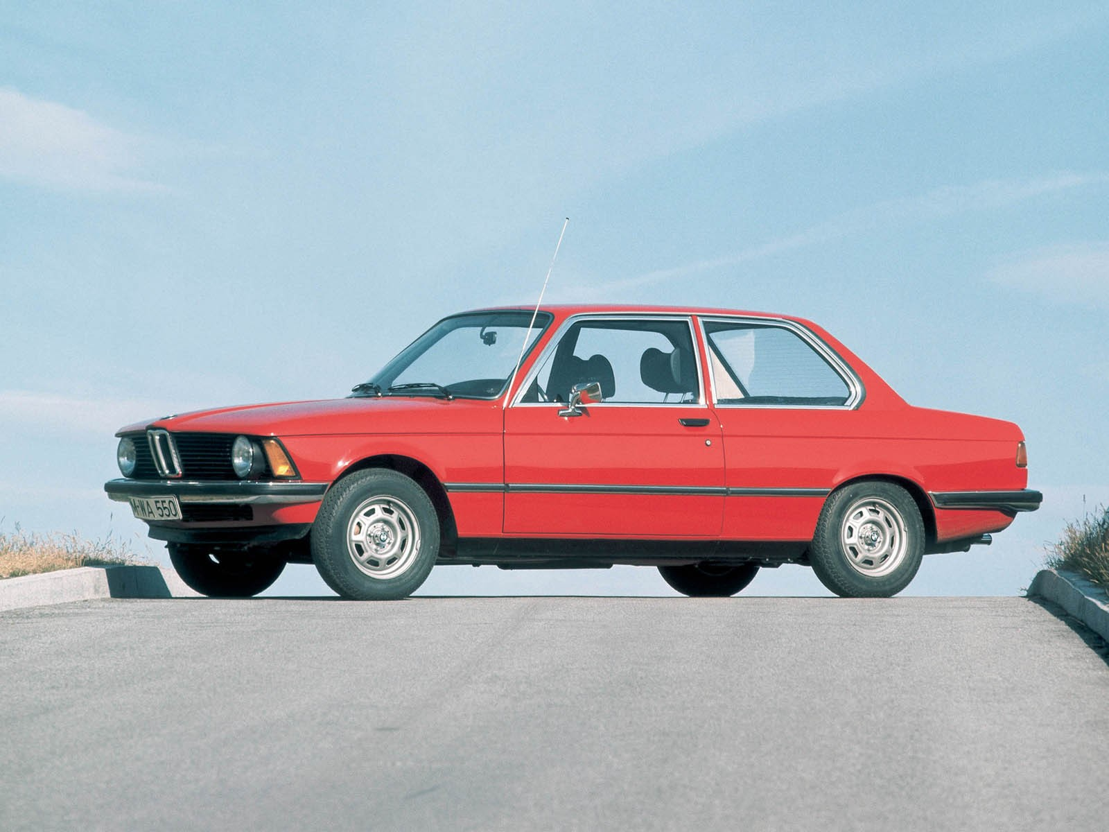 BMW 3-series 1975 photo - 4