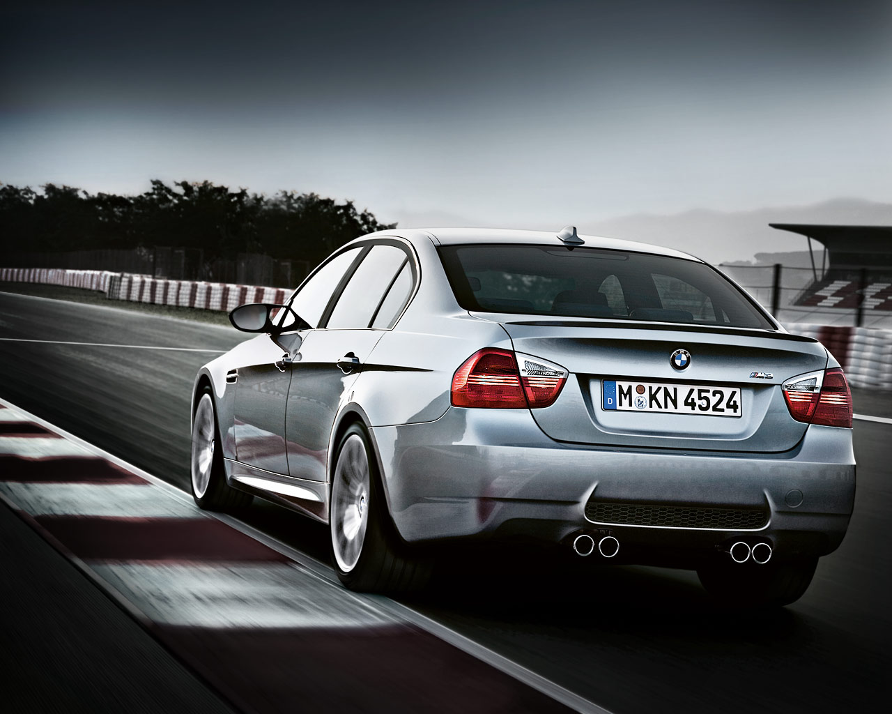 BMW 3-series 2011 photo - 6