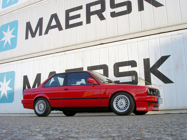 BMW 318iS 1990 photo - 6