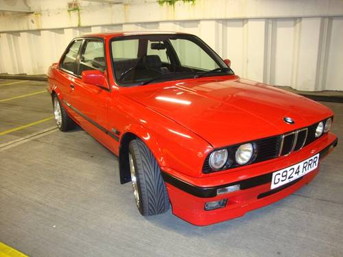 BMW 318iS 1990 photo - 7