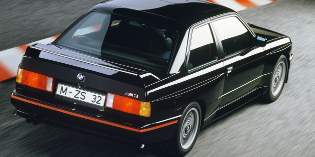 BMW 320iS 1990 photo - 10
