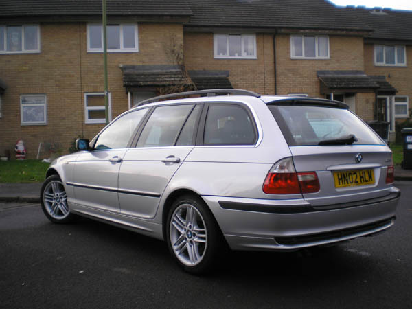 BMW 330Xd 2002 photo - 6