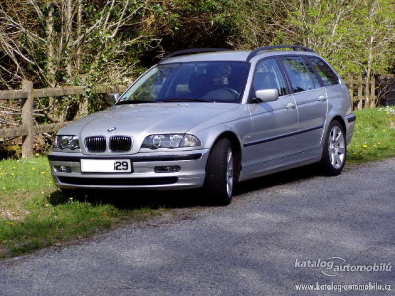 BMW 330Xd 2002 photo - 8