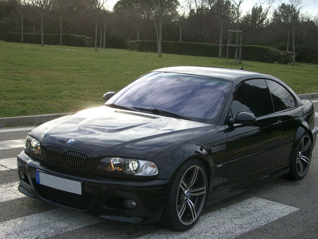 BMW 330Xd 2004 photo - 6