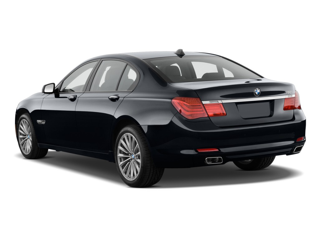 BMW 7-series 2011 photo - 3