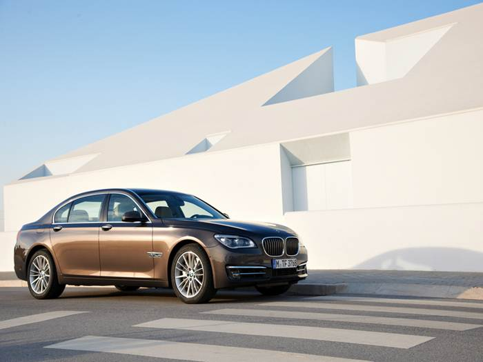 BMW 7-series 2014 photo - 10