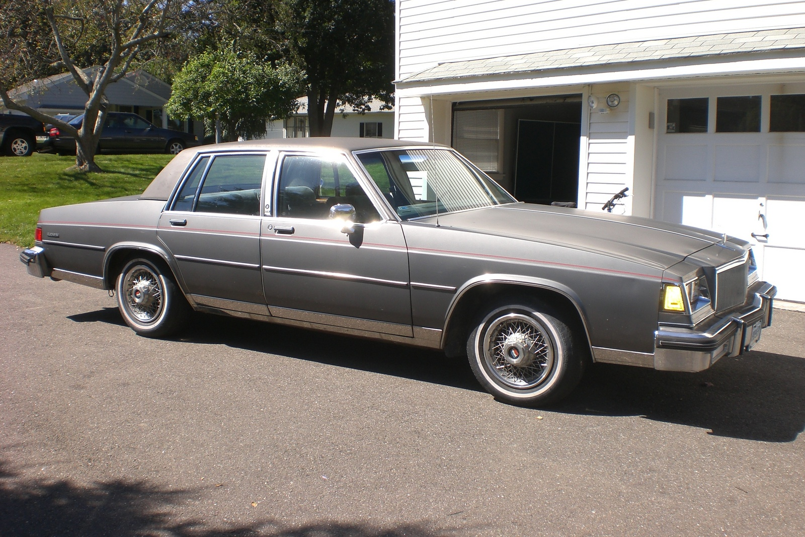 buick lesabre 1986 review amazing pictures and images look at the car. Black Bedroom Furniture Sets. Home Design Ideas
