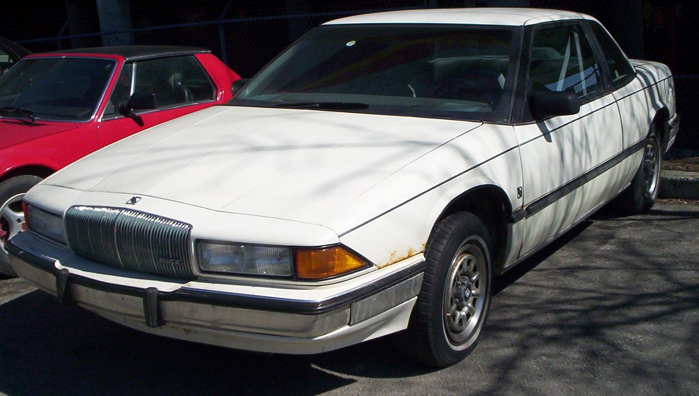 Buick regal 1989 photo - 1