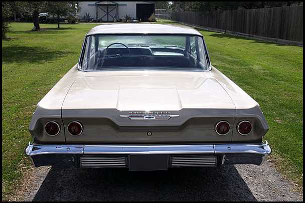 Chevrolet Biscayne 1963 photo - 1