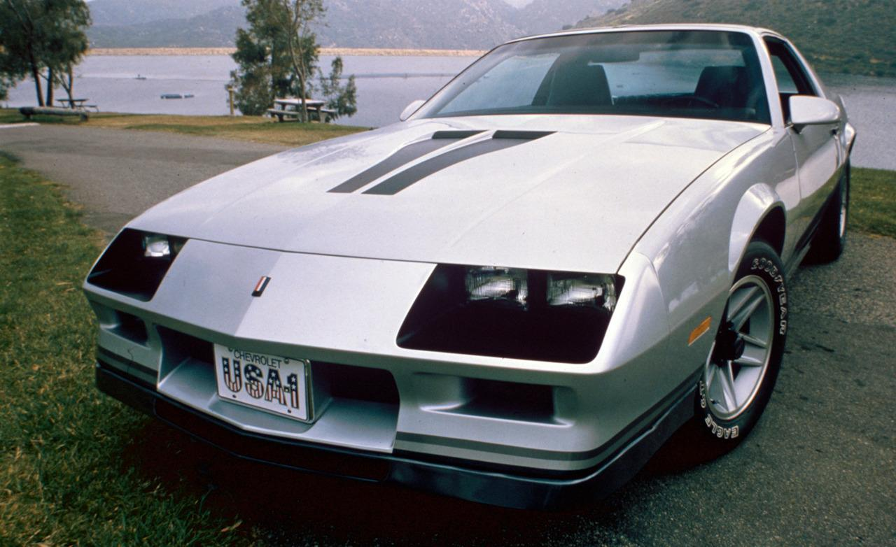 Chevrolet camaro 1983 photo - 2