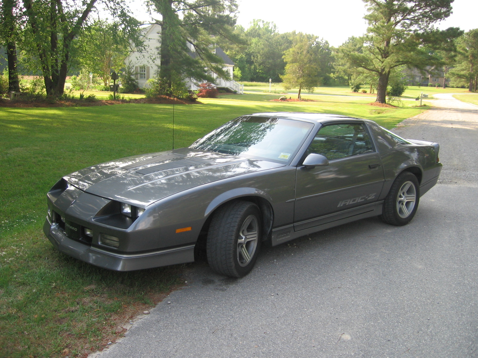 Chevrolet Camaro 1988 photo - 2
