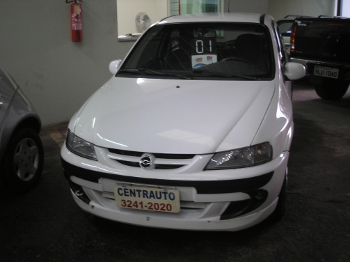 Chevrolet celta 2001 photo - 4