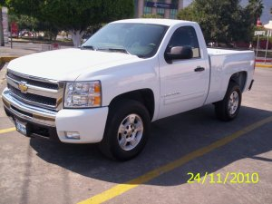 Chevrolet Cheyenne 2002 photo - 1