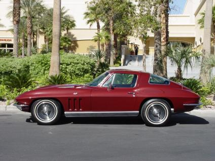 Chevrolet Corvette 1966 photo - 3