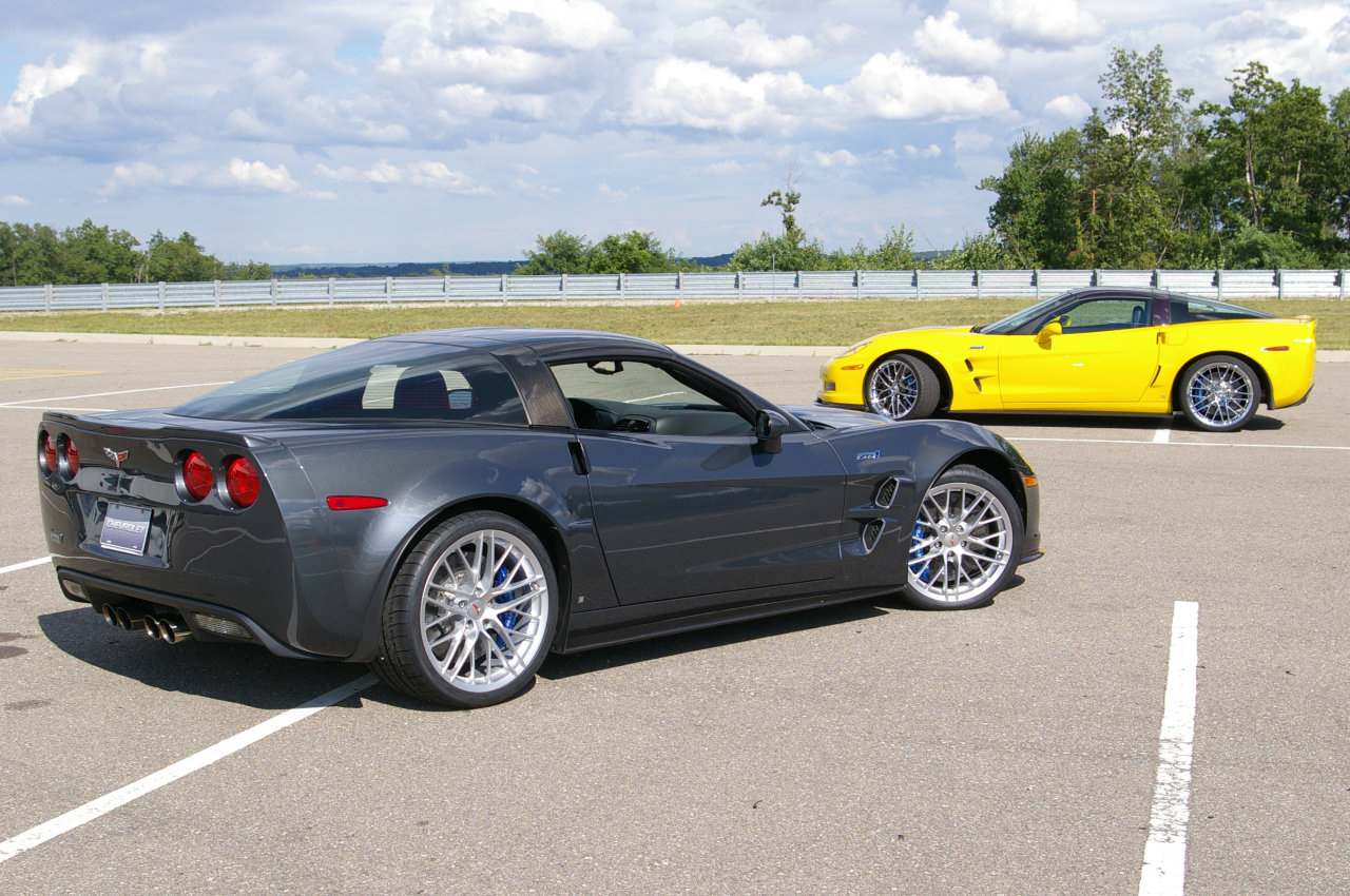 Chevrolet Corvette 2011 photo - 1