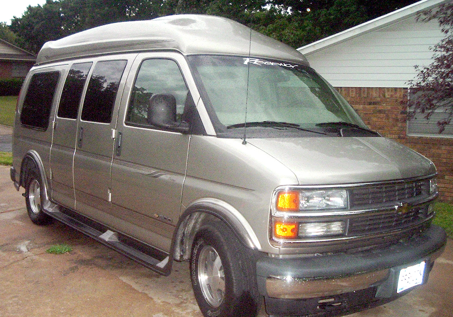 Chevrolet express 2001 photo - 3