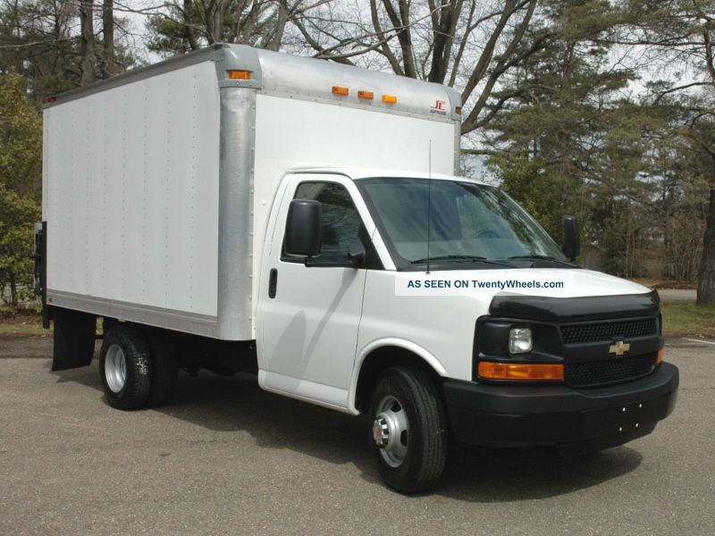 Chevrolet express 2009 photo - 2