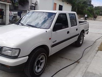 Chevrolet luv 1999 photo - 3