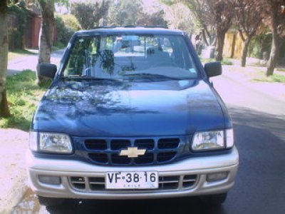 Chevrolet luv 2002 photo - 2