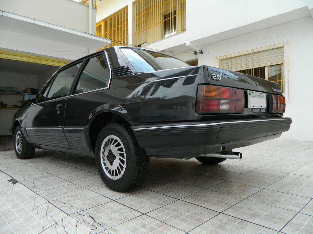 Chevrolet monza 1989 photo - 1