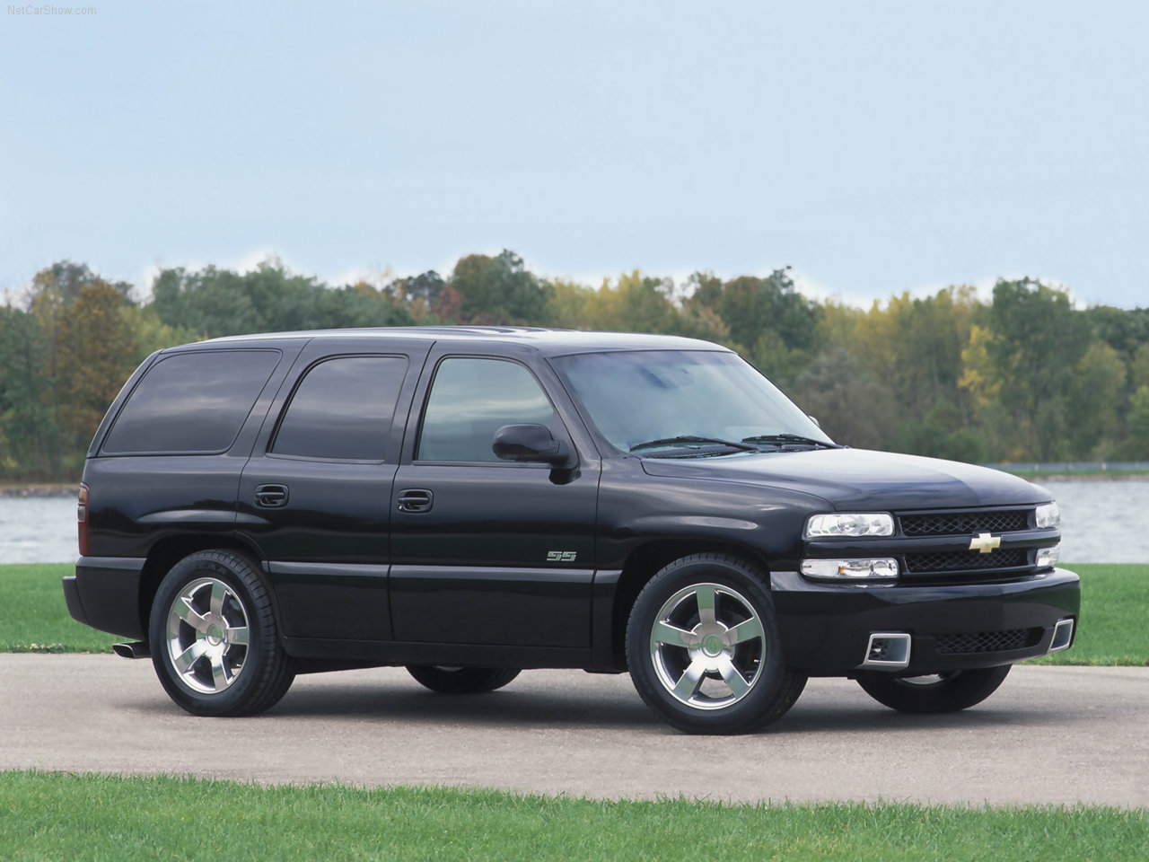 Chevrolet tahoe 2002 photo - 3