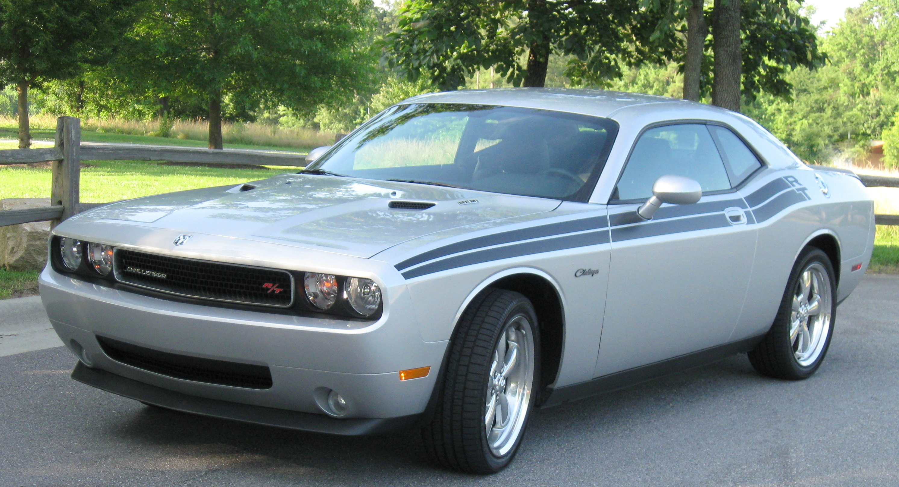 Image Gallery 2004 Dodge Challenger