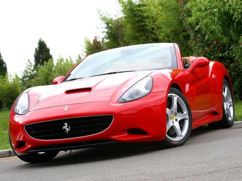 Ferrari California 2011 photo - 3