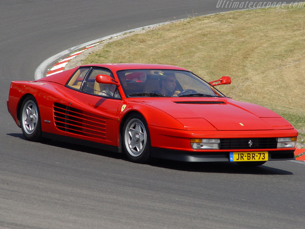Ferrari Testarossa 1984 photo - 2