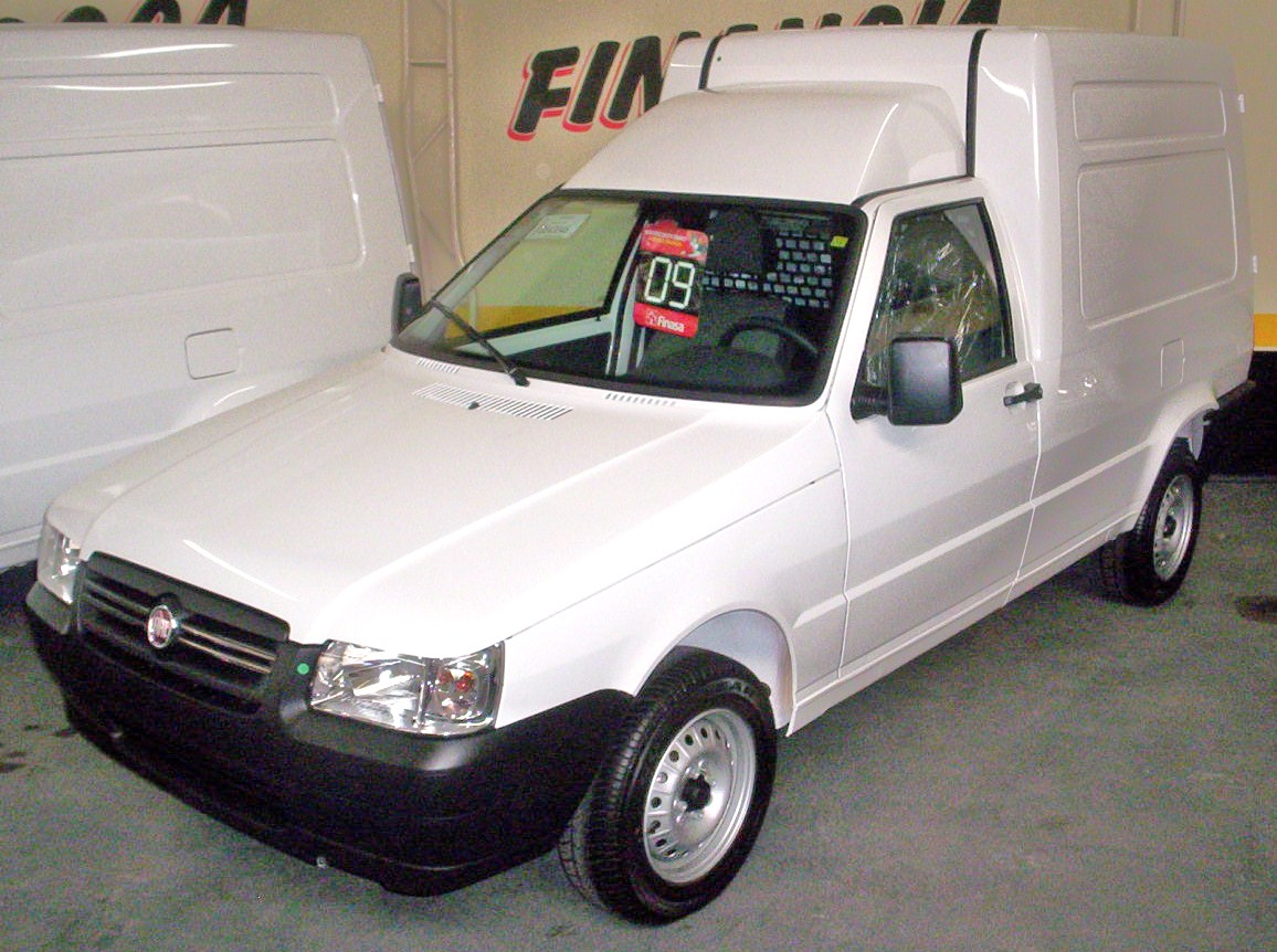 Fiat Fiorino 2000 photo - 2