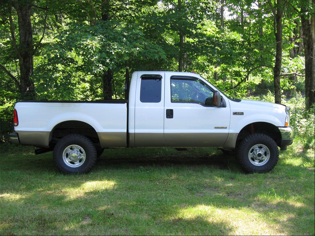 Ford 350 2004 photo - 9