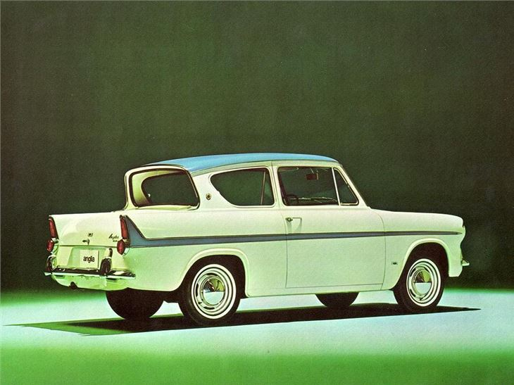 Ford Anglia 1959 photo - 2