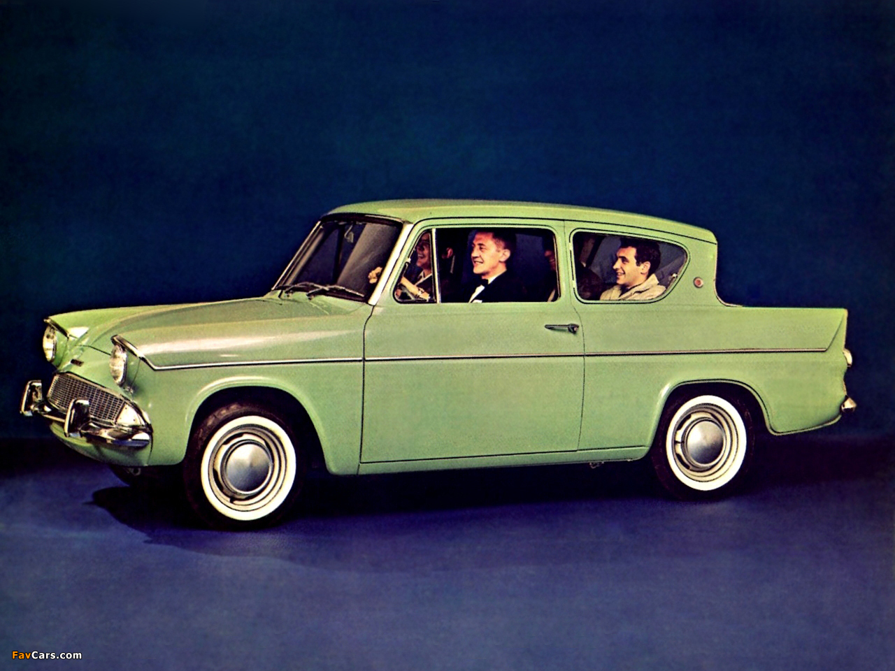 Ford Anglia 1959 photo - 3
