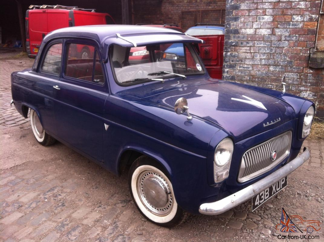 Ford Anglia 1959 photo - 5