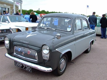 Ford Anglia 1959 photo - 8