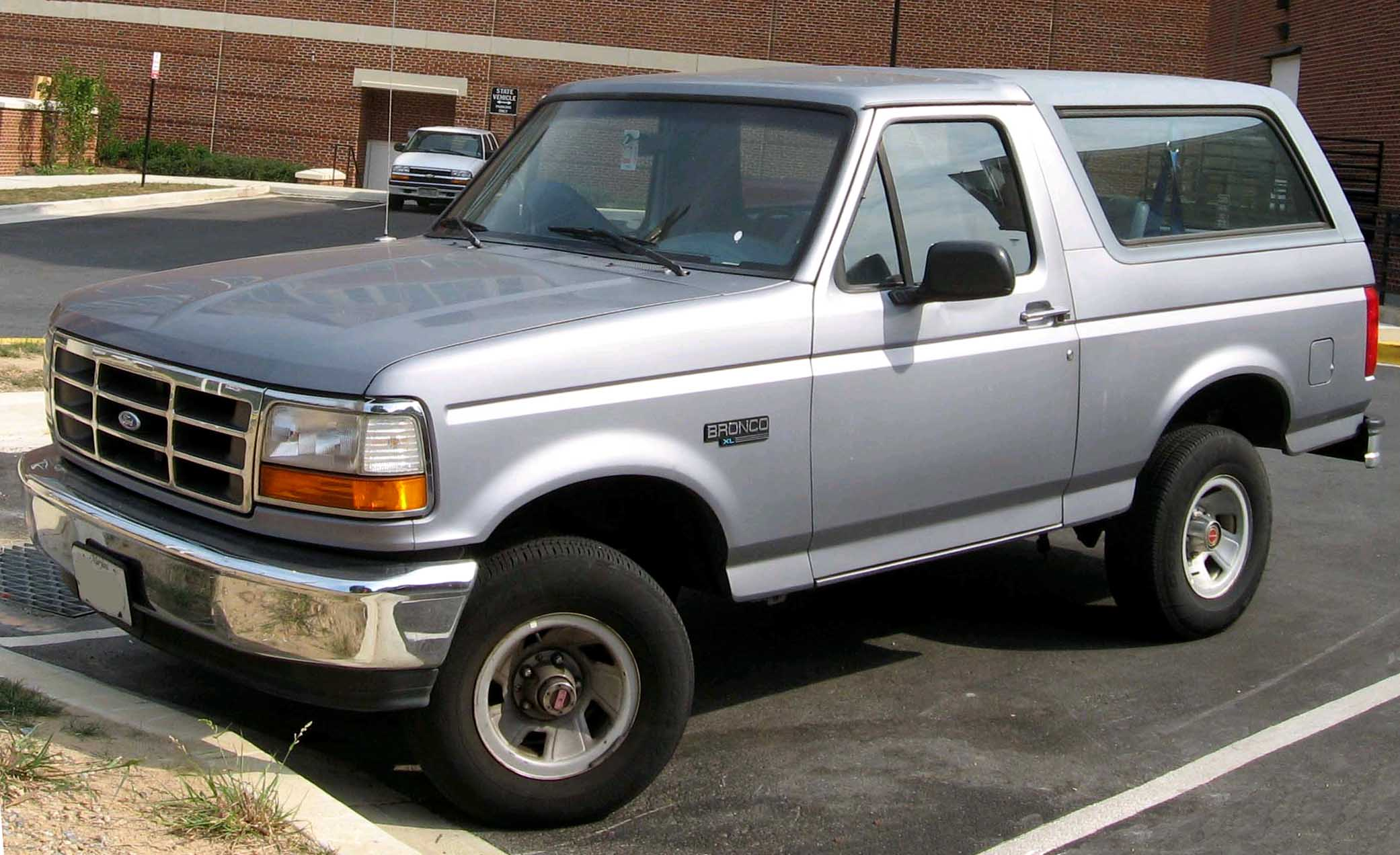 Ford Bronco 1993 photo - 3