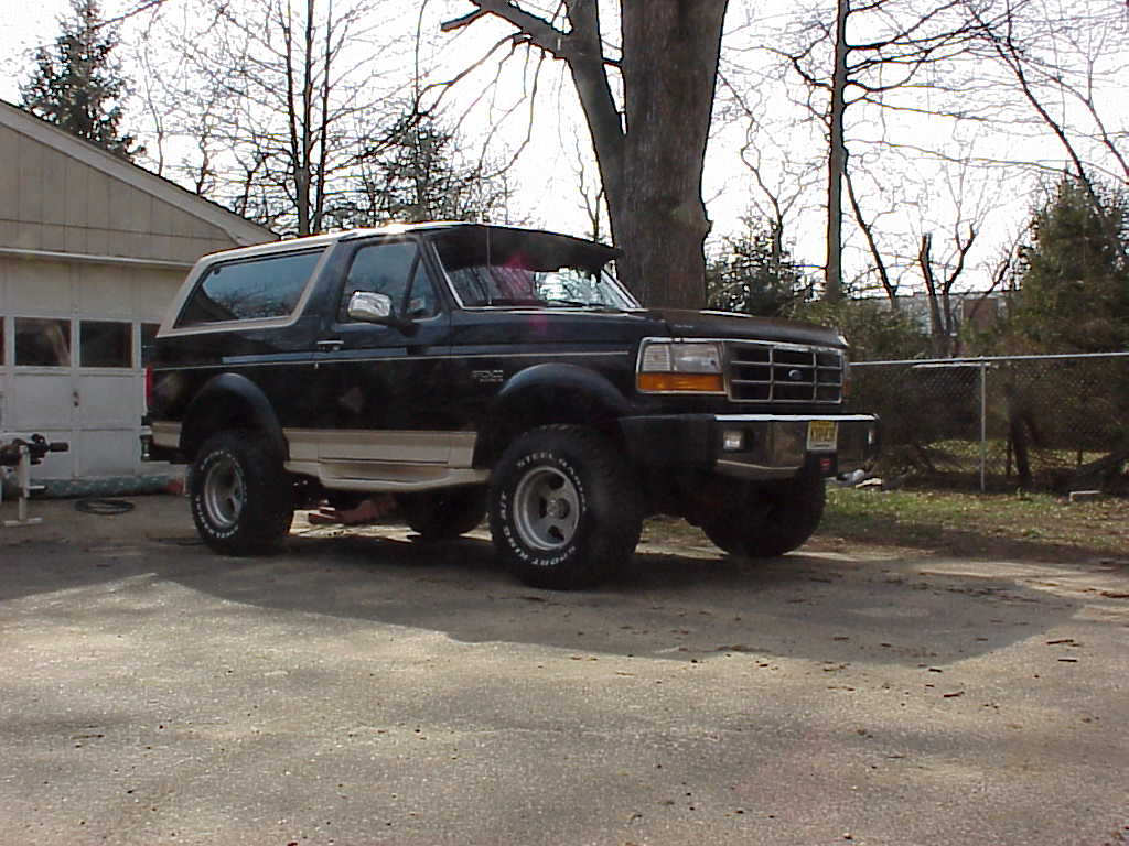 Ford Bronco 1993 photo - 9