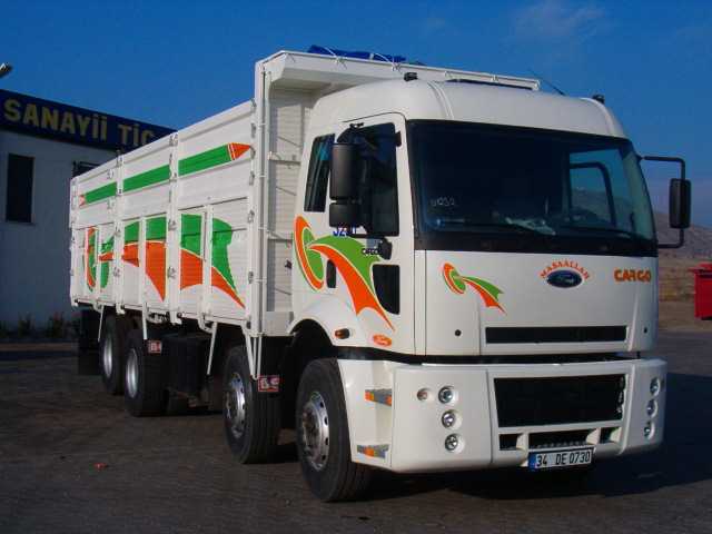 Ford cargo 2004 photo - 2